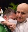 Alcalde de Desamparados rompe en llanto junto a expresidente de Costa Rica