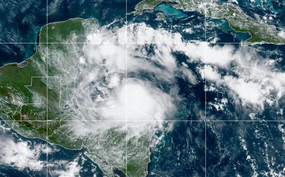 Nana se debilita a depresión tropical sobre Guatemala