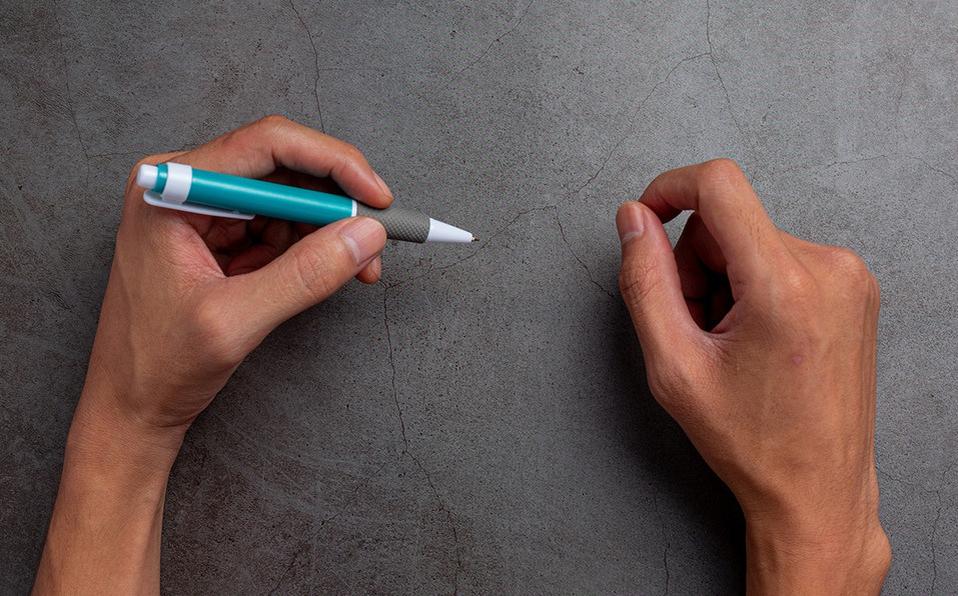 El uso de la mano izquierda es relacionado con un mayor nivel de creativiad. (Foto: Freepik)