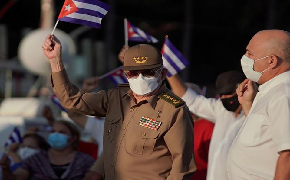 Unas 100.000 personas  agitaban banderas y coreaban consignas gubernamentales. (Foto: Reuters)