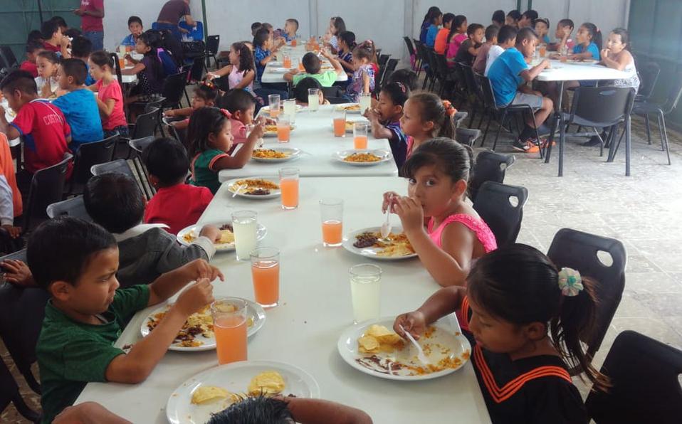 La Dirección General de Migración celebra el día del Niño a estudiantes migrantes
