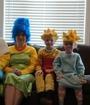 Aburridos nivel: Familia recrea intro de 'Los Simpson'