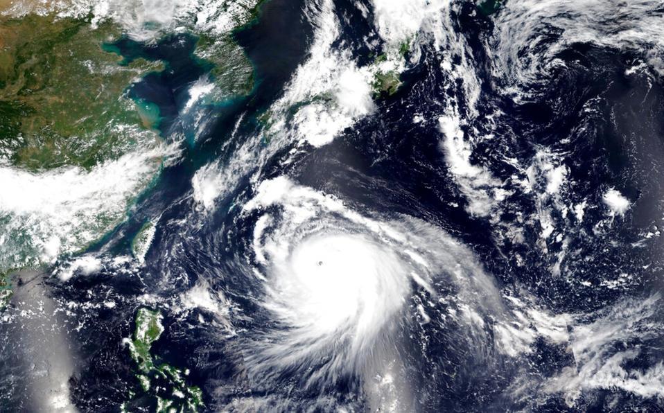 Tifón 'Haishen' se acerca a Japón con fuertes vientos