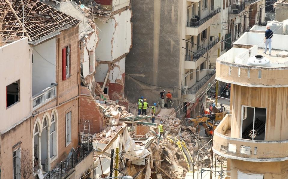 Rescatistas descartan señales de vida entre escombros tras explosión en Beirut
