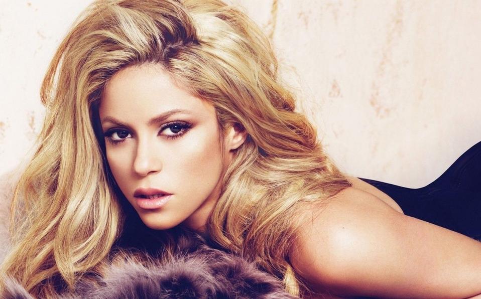 (+FOTOS) Shakira es criticada por mostrar sus