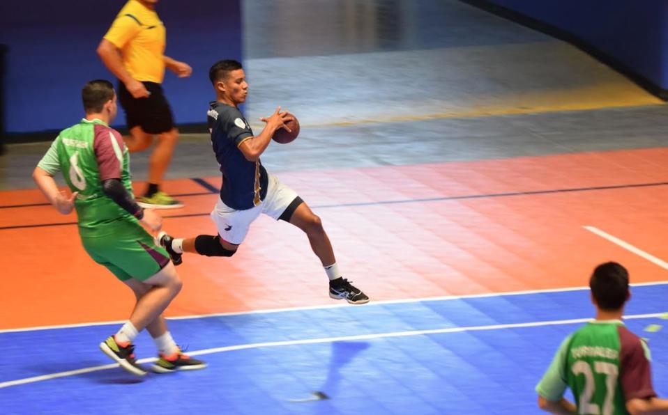 El CCDR Desamparados se mantiene líder de balonmano masculino