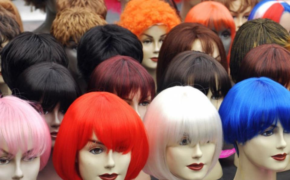 ¡Más de 8 millones de colones para pelucas y plumas!