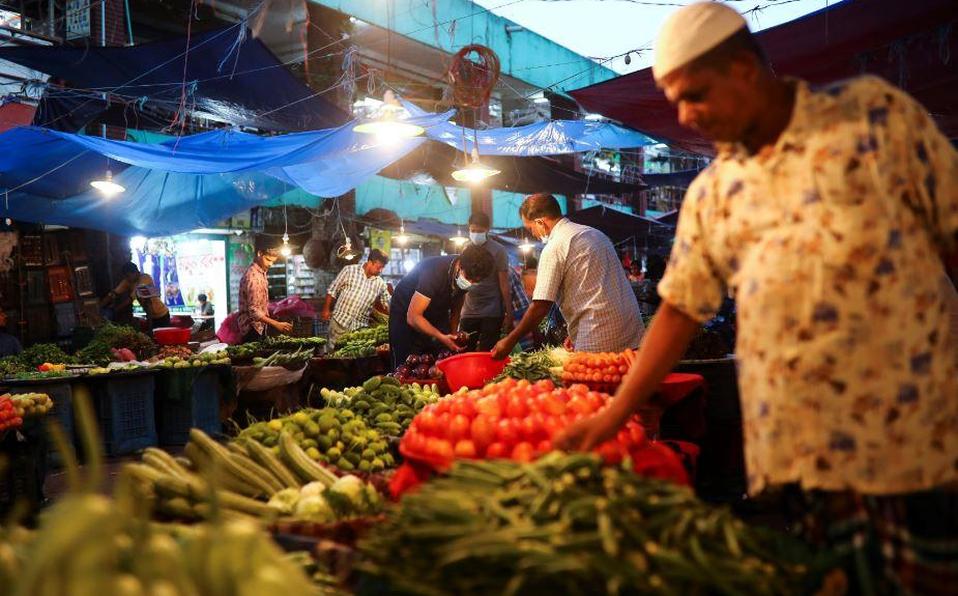 Índice global de precios de alimentos sube por tercer mes consecutivo en agosto: FAO