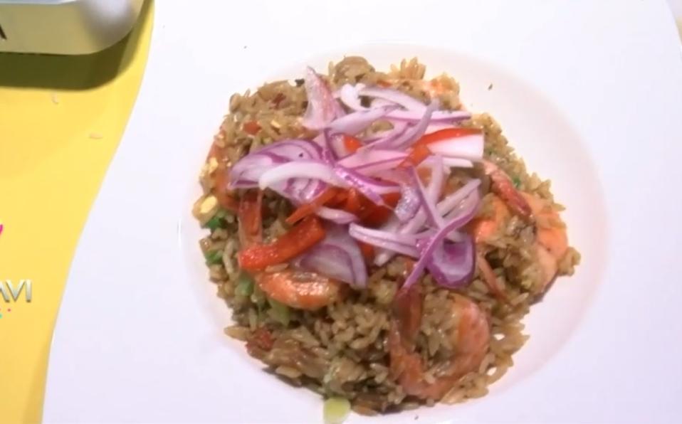 (+VIDEO) Un delicioso Arroz Chaufa para el almuerzo