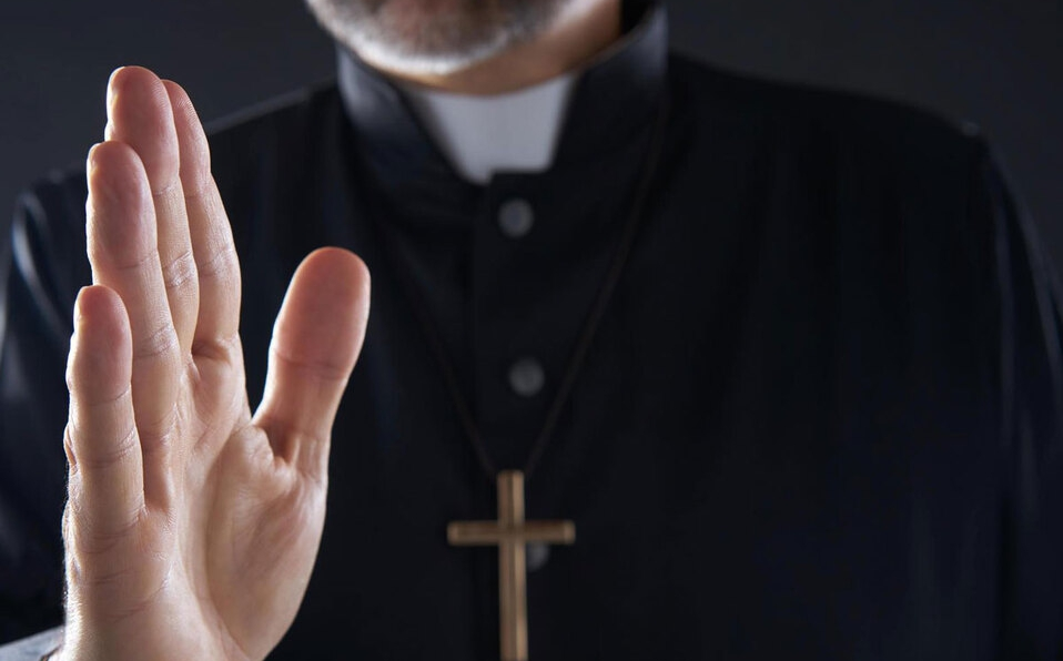 Pastor en Heredia pidió a joven que le tocara sus partes íntimas