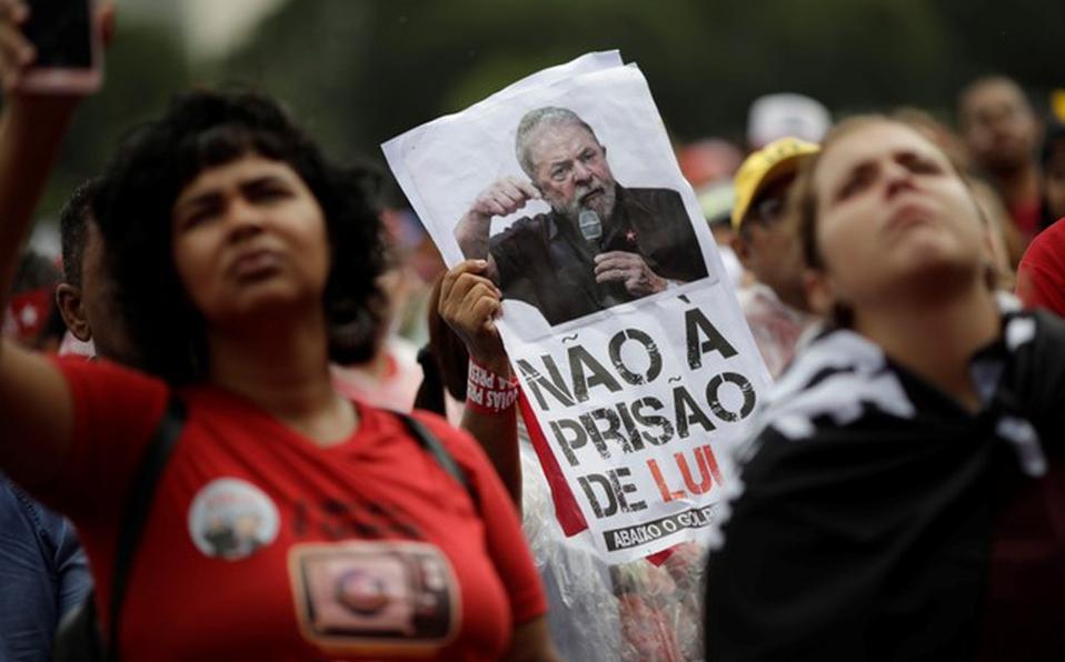 Lula será candidato presidencial desde prisión si es necesario