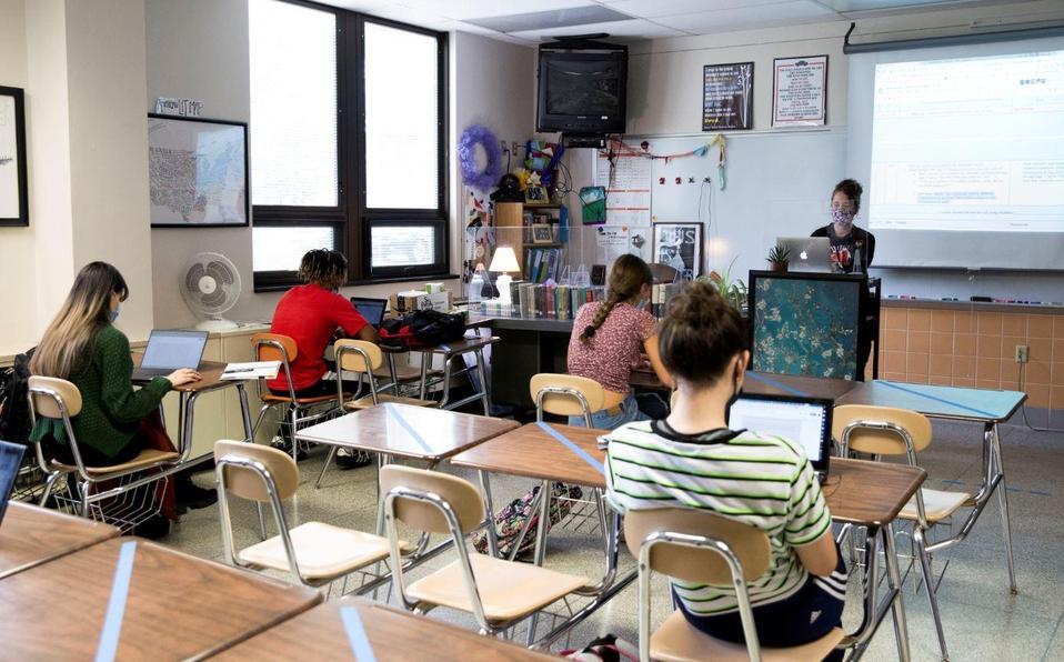 No hay vínculo claro entre vuelta a aulas y aumento de contagios: estudio