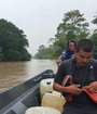 Rescatan a personas aisladas por inundaciones en Limón