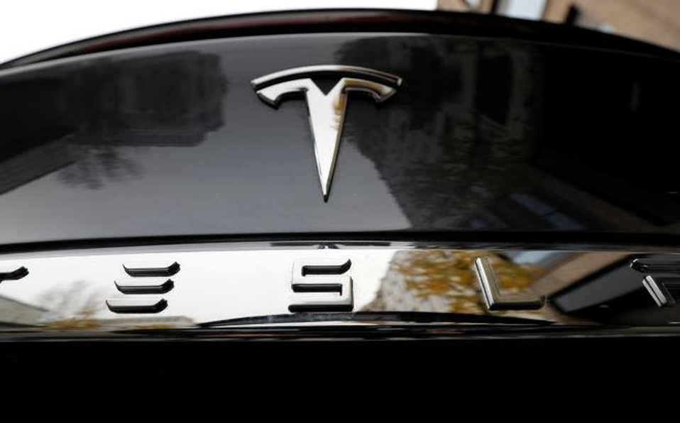 Tesla cae 7% en Wall Street en cierre de semana