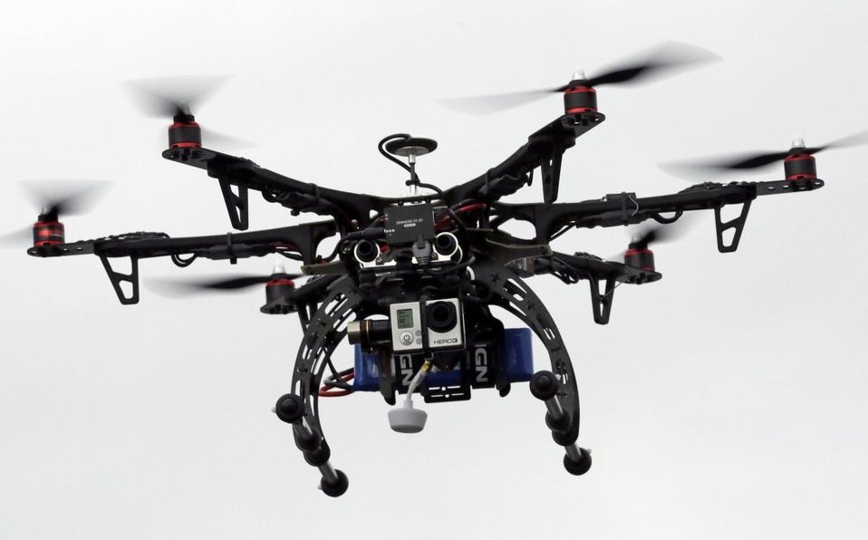 Drones deberán estar inscritos en Aviación Civil