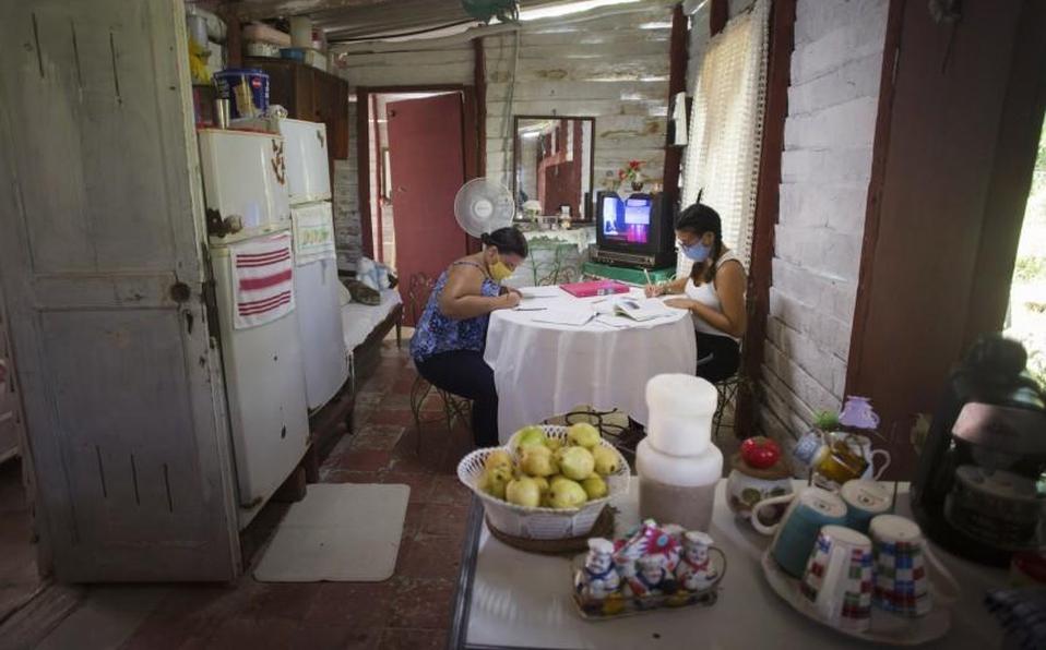 Cuba cierra escuelas en provincia del centro por rebrote de coronavirus