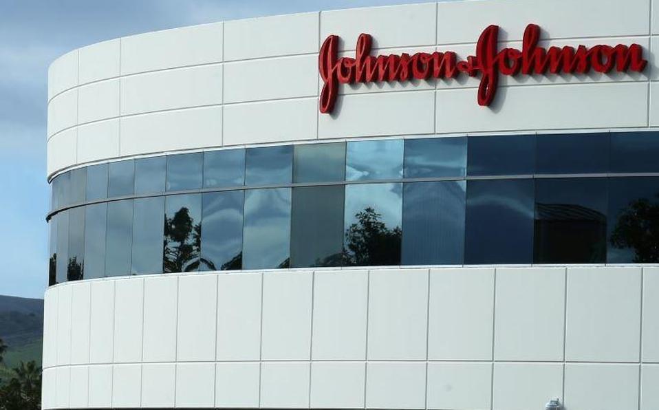 Empresa afirma que refuerzo de su vacuna Janssen favorece la respuesta de síntomas severos del virus.(Referencia)