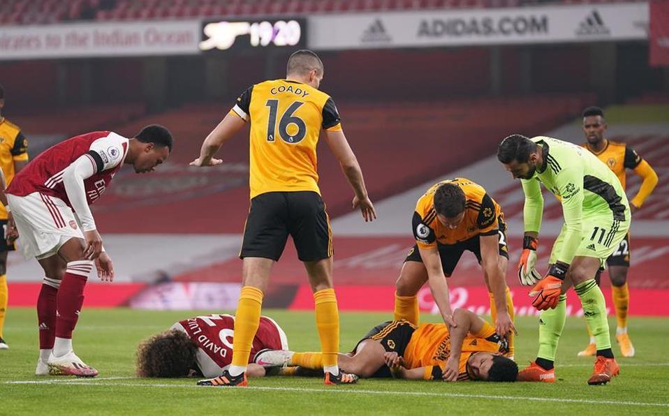 Aficionados del Wolverhampton hacen 'cooperacha' para enviarle una sorpresa a Raúl Jiménez