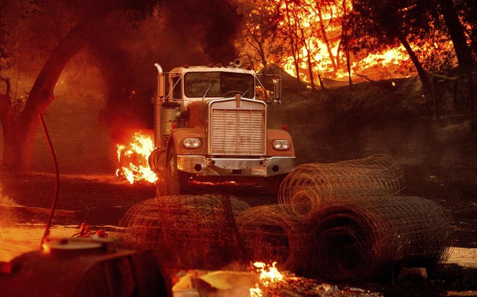 Superficie quemada en California es el doble de récord anterior