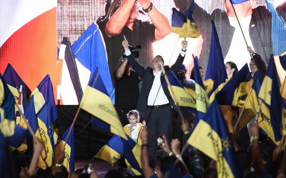 Junto a Fabricio Alvarado, siete diputados salen deRestauración Nacional