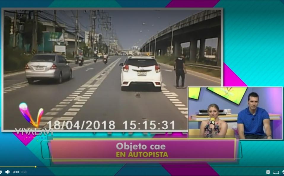 (+VIDEO) ¿Un ovni en la autopista?