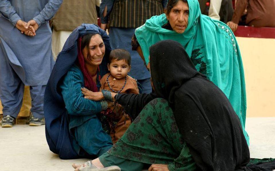 El pasado lunes, miles de afganos desesperados por huir del país desataron el caos en el aeropuerto de Kabul. (Foto: Archivo)