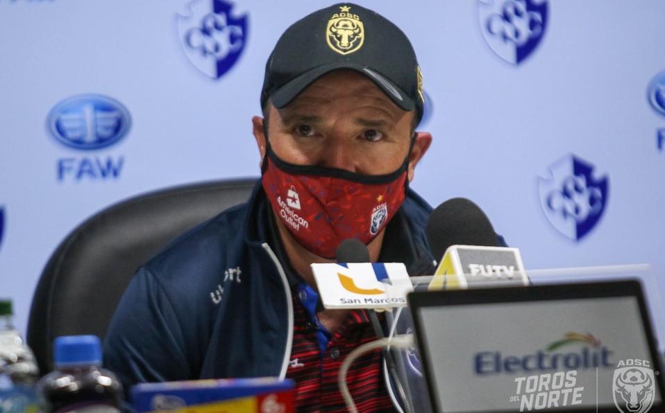 Destituido Gustavo Martínez entrenador de Los Toros