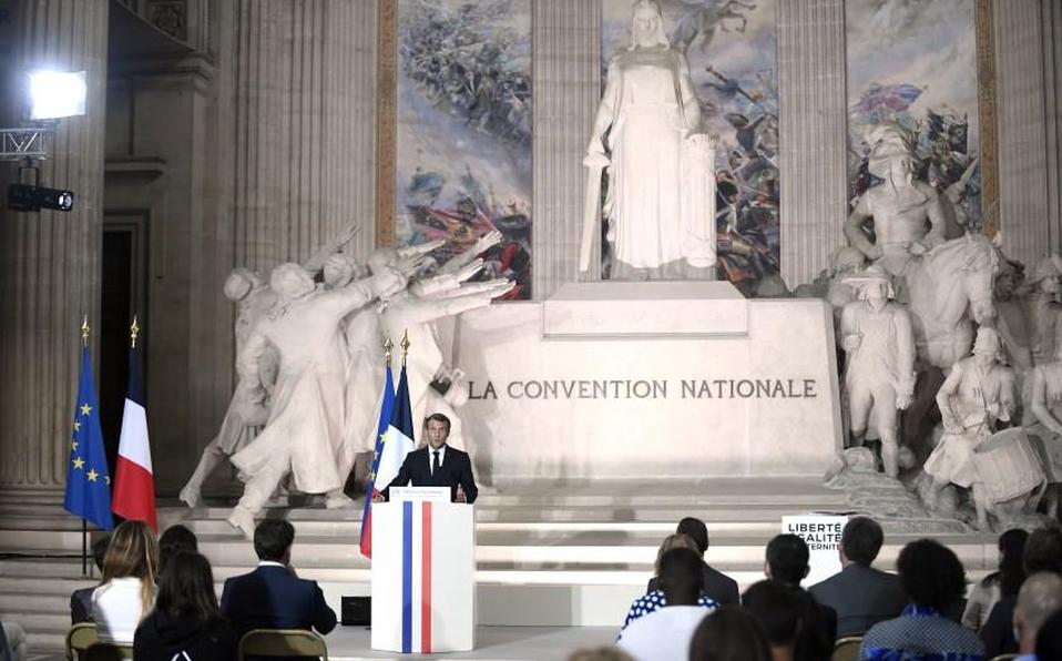 Presidente francés defiende a revista Charlie Hebdo