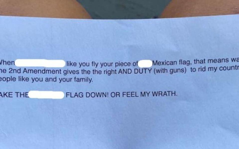 Amenazan a familia en EU por enarbolar bandera mexicana