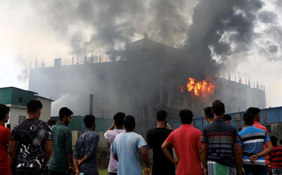 52 personas murieron en un incendio en fábrica de Bangladesh. (Foto: Reuters)