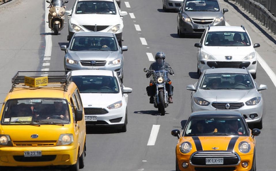 Gobierno chileno cobraría por uso de vehículos particulares en zonas de congestión
