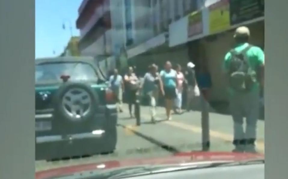 Ciudadanos en San José no mantienen distancia ante emergencia por el COVID-19