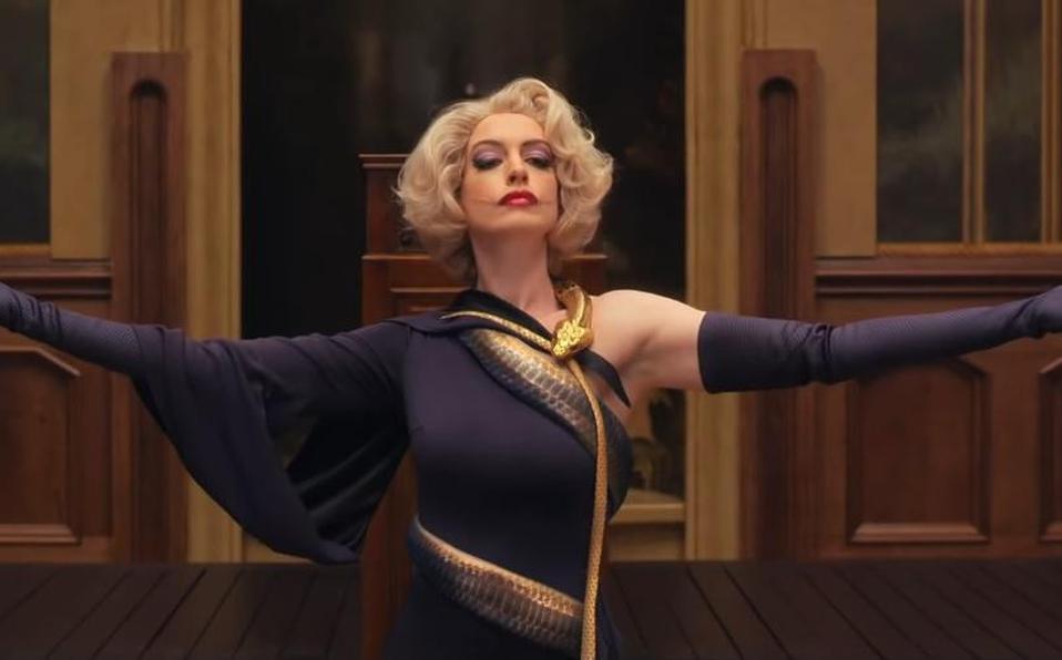 Una hermosa y temibleAnne Hathaway en el tráiler de 'La Maldición de las Brujas'