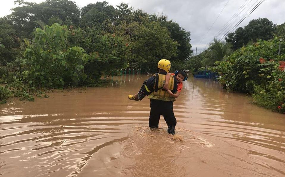 Lluvias dejan más de 900 personas atendidas por fuertes lluvias