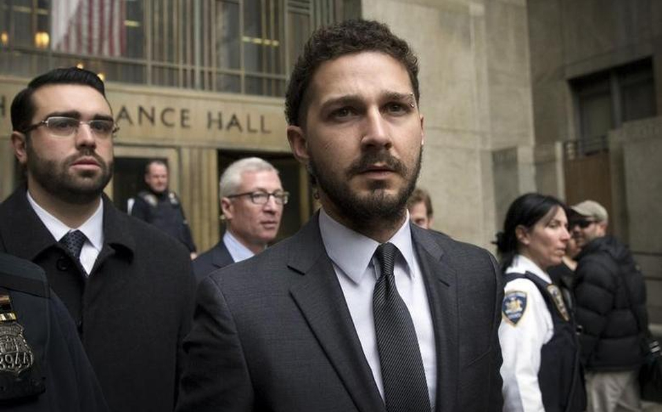 Shia LaBeouf enfrentaría varios cargos por robo y agresión.   Reuters