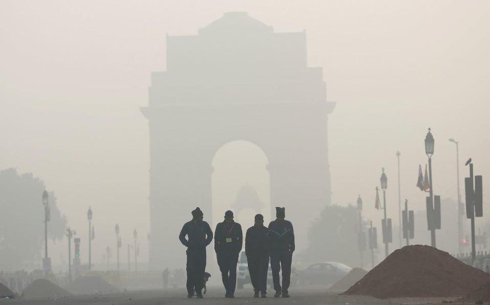 Médicos de Nueva Delhi ven aumento de problemas respiratorios en medio de Covid-19 y polución
