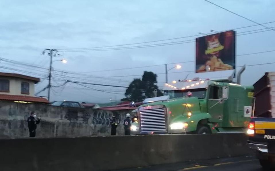 La emergencia se presentó pasadas las 5:00 am.  (Foto: Cortesía)