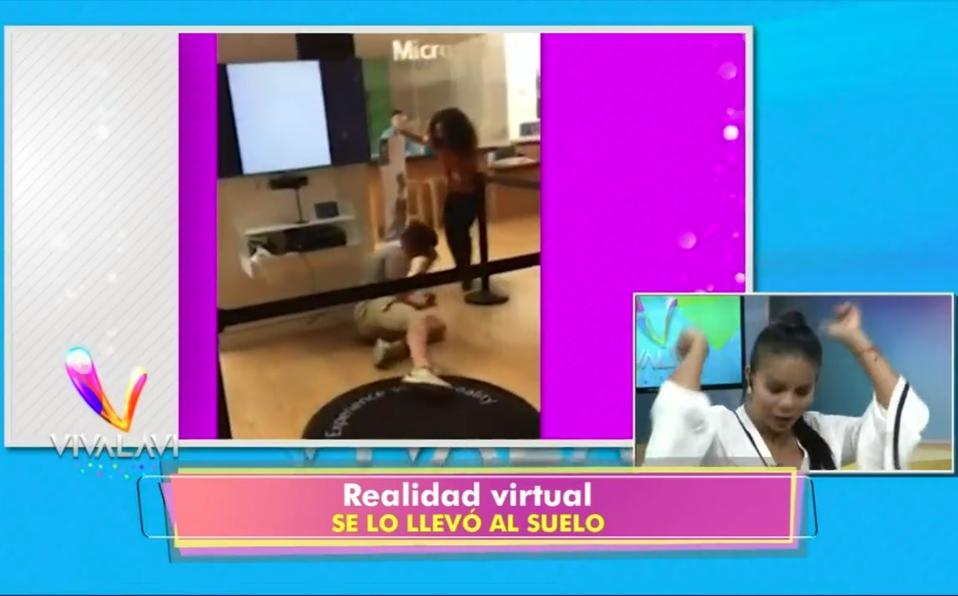(+VIDEO) Realidad virtual se lo llevó al suelo